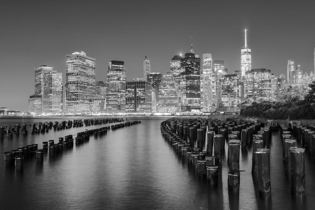 New york city muelle blanco y negro fot grafo for Aparador blanco y negro